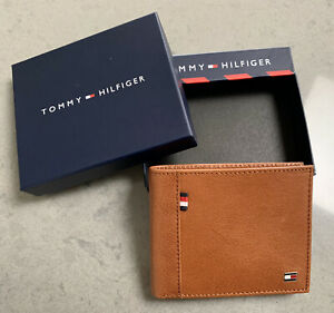 Tommy Hilfiger BiFold Leather Wallet In Brown