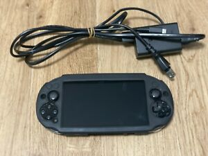 Excellent Sony PS Vita Black PCH-2000 / Screen film + AC Charger