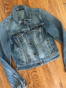 American Eagle Button Front Distressed Trucker Cotton Denim Jean Jacket Womens M