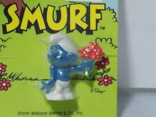 1982 Vintage Smurf figure on card - EXCELLENT CONDITION
