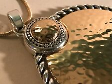 SCROLL AND DOTS  ROUND JEWELLED PENDANT WITH ADJUSTABLE CHAIN WITH TAG