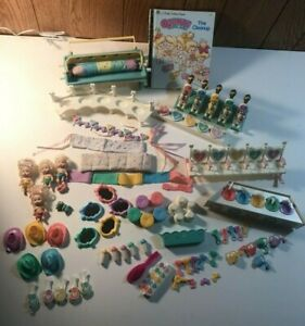Huge Lot of Vintage TYCO Quints Accessories Four Dolls Book Beds & More
