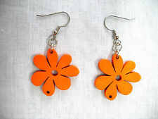 NEW NATURE GIRL HOT ORANGE CUT OUT DAISY FLOWERS WOOD DANGLING FLOWER EARRINGS