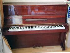 Klavier, Piano. Belarus. Kaum benutzt.