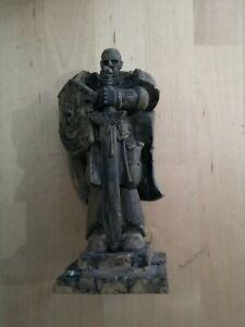 Warhammer 40k Honoured Imperium Space Marine Statue Plastic Scenery