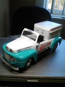 """Large Ice Cream Truck; 10"""", 1948 Ford,,Howard Johnson Great condition"""