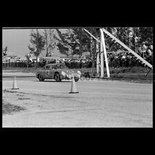 Photo A.013682 DAN GURNEY PILOTE RACING DRIVER