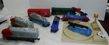 VINTAGE LIONEL #220 SANTA FE AA DIESEL LOCOMOTIVES TRAIN SET W/5 CARS & PLATFORM