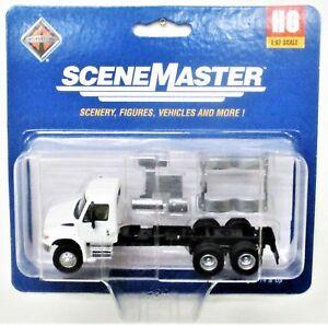 HO Scale Walthers SceneMaster 949-11530 International 4300 White Semi Tractor
