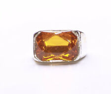 AMBER RECTANGULAR FACETED PLASTIC & SILVER METAL COSTUME JEWELLERY RING (ZX42TR)