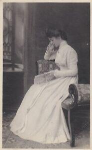 OLD PHOTO PRETTY WOMAN GLAMOUR DRESS SWINDON WILTSHIRE W6