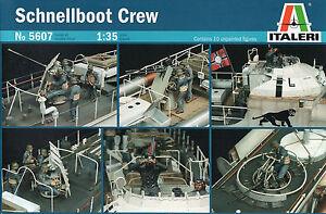 Italeri 1/35 5607 WWII German Navy S-Bost Crew (10 Figures)