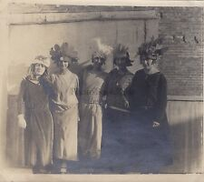 Cinq femmes Déguisement Chapeaux Vintage argentique ca 1020
