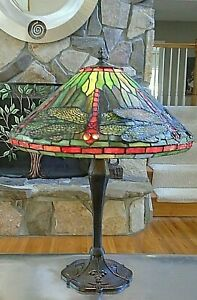 Tiffany Style Stained Glass Green & Coral Dragonfly Tabletop Lamp
