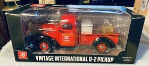 Speedway Vintage International D-2 Pickup First In A Series 1:25 Scale Diecast