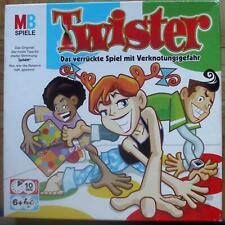 Gioco twister con pericolo nodo Hasbro da 6 anni.  In alto