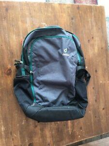 deuter giga Office Rucksack (grau und grün) sehr praktisch