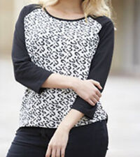 BNWT SIZE 32 ( PLUS SIZE ) ANIMAL PRINT TOP BY JUST ME COL: BLACK / WHITE NEW