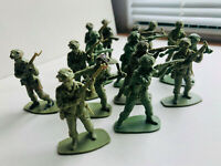 Soldiers Toy Plastic 54mm Set 22 Classic WWII War Military American Playset