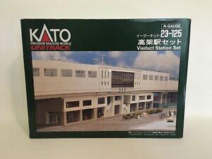 KATO 23-125 - Unitrack Viaduct Train Station Set - N scale
