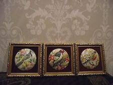3 vintage encadrée Miniature Hand made Céramique Oiseau photos/Plaques Staffordshire