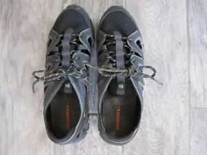 EUC MERRELL BLACK AND GREY MENS WATER OUTDOOR SHOE-SIZE10.5