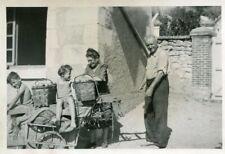 PHoto en 1959 à Bourrée Montrichard Val de Cher Retour de cueillette pommes