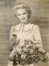 JO ANN SAYERS Original 1942 Sweet Pretty Glamour Press Photo with Perfume