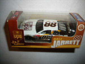 DALE JARRETT #88 UPS 2002 FORD TAURUS 1/64 ACTION RCCA RARE PORT OF SUBS FREE SH