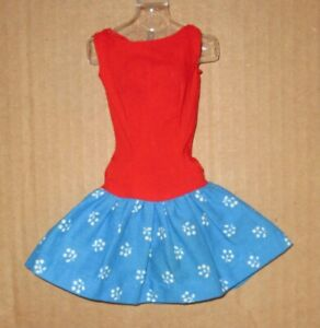 Barbie PAK Best Bow with Blue Floral Print Skirt