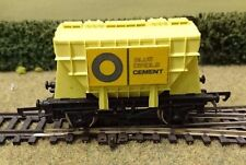 "Wrenn W5016 Cement Wagon ""Blue Circle"" Yellow Body OO gauge"