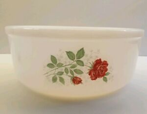 Arcopal French  Cooking Dish Casserole dish red roses Pyrex. Vintage. Retro.