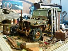 Willys Jeep US Army Bj.1945 - Oldtimer Scheunenfund Diorama im Maßstab 1:18