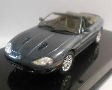 Modellini statici auto AUTOart per Jaguar