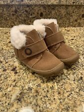UGG  Baby Boy's' Toddler 8US Tan Suede Boots Shoes EUC