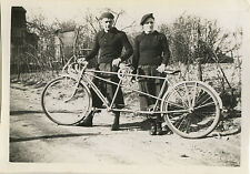 PHOTO ANCIENNE - VINTAGE SNAPSHOT - VÉLO BICYCLETTE TANDEM COUPLE - BIKE BICYCLE