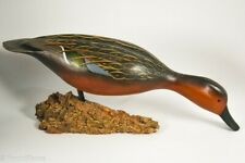 "Beautiful Cinnamon Feeding Decoy William ""Bill"" Goenne GH862"