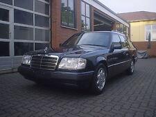 eleganter Mercedes 124 Kombi E 200T Smaragdschwarzmetallic, Automatic ROSTFREI!