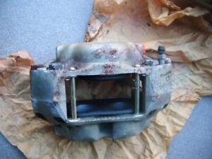 volvo p1800 1964-68 front brake caliper 3 pot genuine girling 64032819