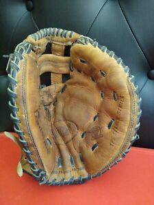Louisville Slugger FPS204 Fastpitch Catchers Mitt Right Hand Throw