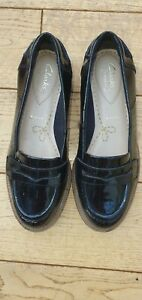Girks Black Patent Clarks Somerset Wide Fit Loafers Size 3.5 E