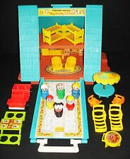 VINTAGE FISHER-PRICE LITTLE PEOPLE A-FRAME HOUSE #990 LOADED + EXTRAS & NICE!!