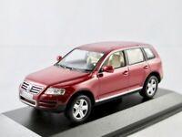 VW Touareg  2002-2006  rot metallic   / Minichamps  1:43