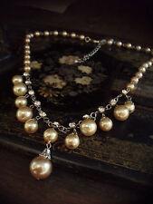 Vintage Crema de Café de ostra gota de perla de oro y collar de cristal ajustable.
