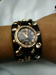 Ladies Geneva Platinum #9540 Wrap Watch. Leather Band. Rhinestone Around Face