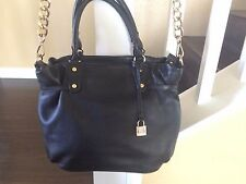 MICHEL KORS AUTHENTIC, LOVELY USED, BLACK TONE  LEATHER  PURSE.
