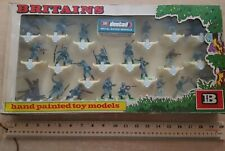 Large Boxed Britains Deetail WW2 German Infantry 18 figures (lot 3233)