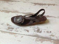 P34- Nu Pieds - chaussures Kickers NEUVES - Modèle Expedito (76.50€)
