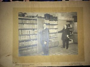 PHOTOGRAPHIE DES ARCHIVES D'UN ORCHESTRE vers 1910.