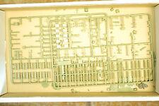 1/35ème PIECES DIVERSES POUR CHAR AMX 13 VCI - HELLER référence 81140